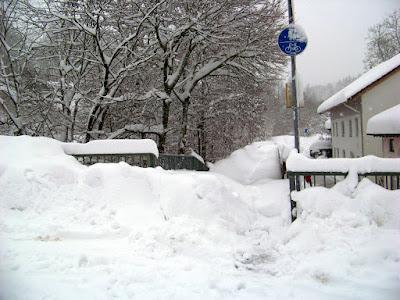 10. Januar 2019, Traunweg bei der Gasbrücke. Auch in diesem Bereich wurde wochenlang keine Schneeräumung durchgeführt.