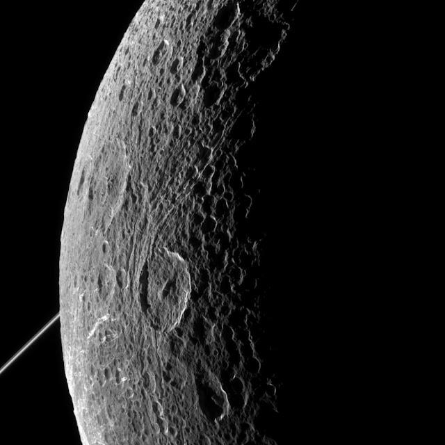 Dione, lua de Saturno