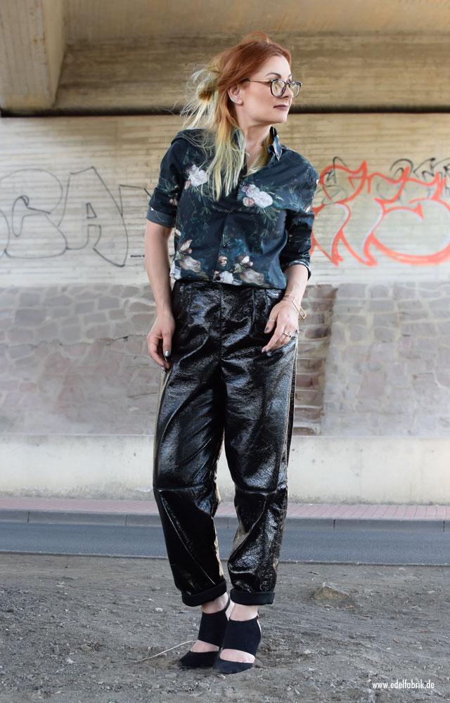Schwarze Lacklederhose von H&M