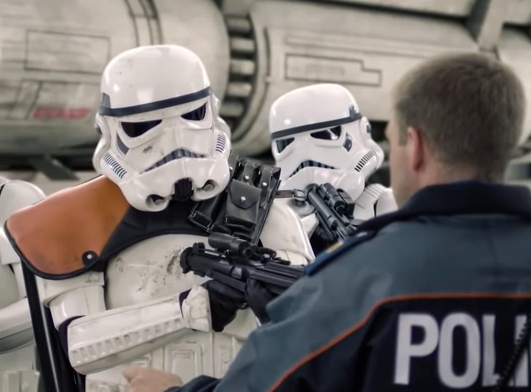 Die Kantonspolizei Bern hat einen Star Wars Weihnachtsspot gedreht | Virales Ding