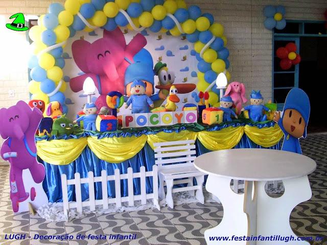 Decoração temática Pocoyo para festa de aniversário infantil - Mesa decorada tradicional luxo