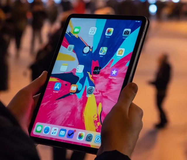 """12.9"""" iPad Pro ミニ LED 搭載へ"""