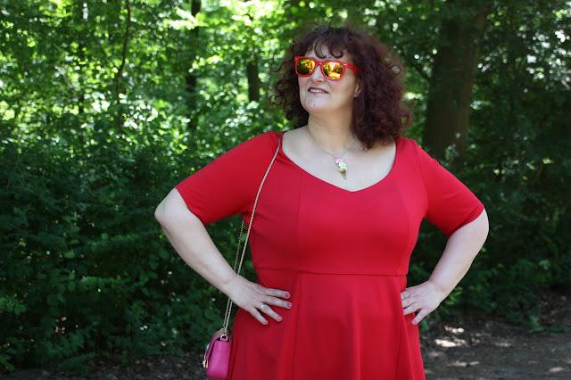 rotes Kleid, Furla, Tatty Devine, Ü50 Mode, Ü50 Blog, Ü30 Blogger, 50+