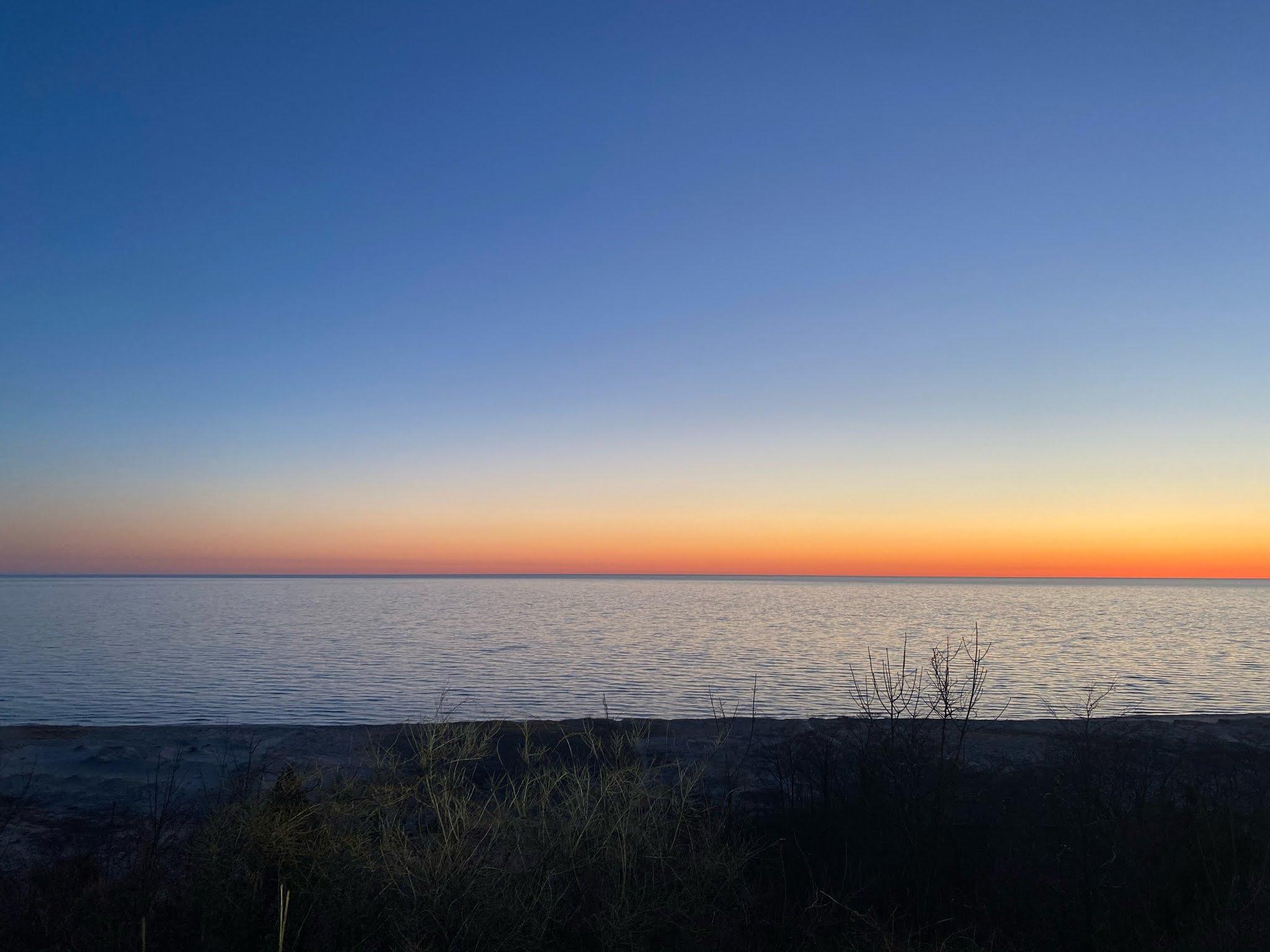 Sunset at Elberta Beach | www.biblio-style.com