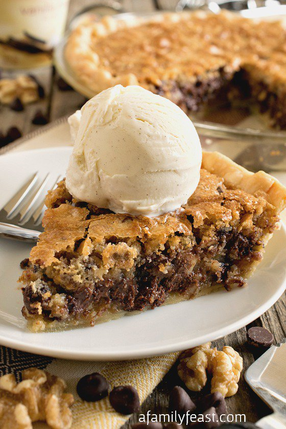 Toll House Chocolate Chip Pie #pie #cookie #dessert #chocolate #bars