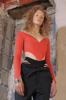 Moda da calcinha aparecendo: você usaria?