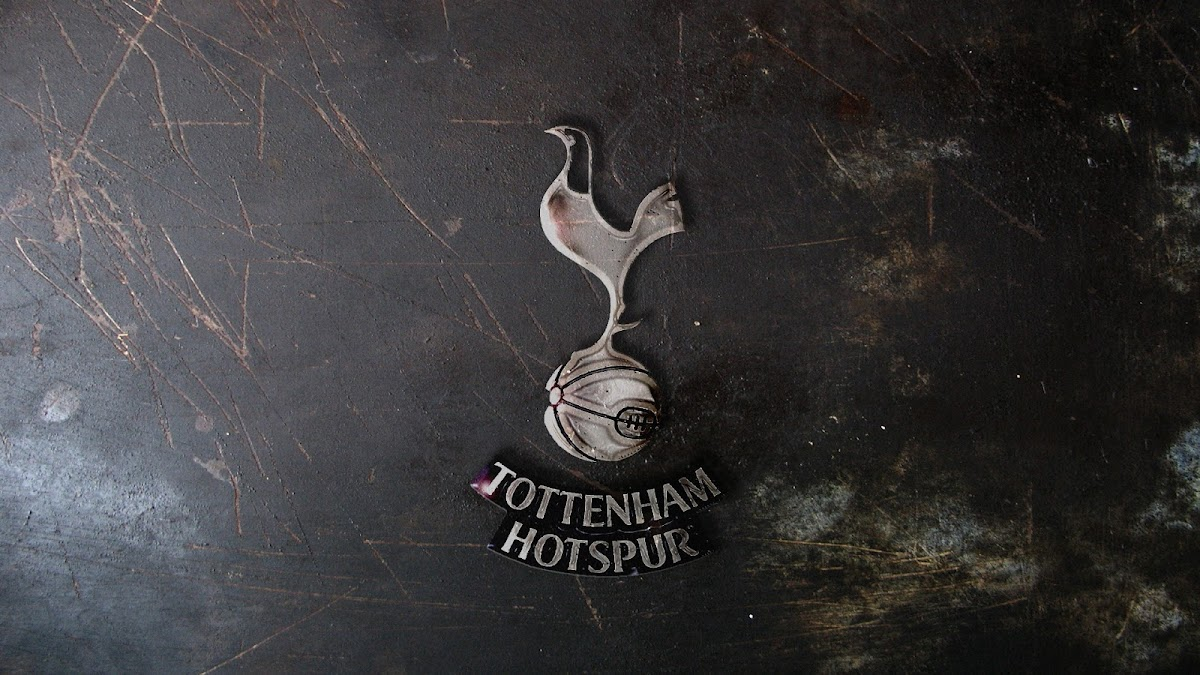Download Wallpaper Transformasi Logo Tottenham Hotspur HD