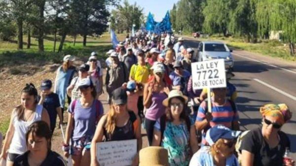 Realizan en Mendoza, Argentina, marcha contra la minería