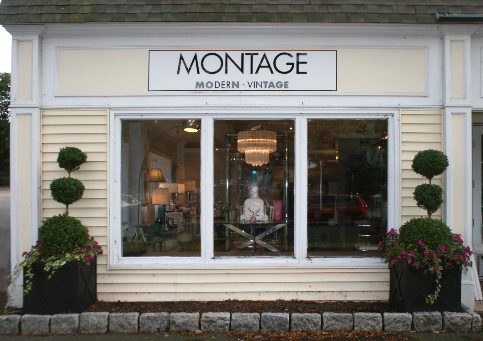 Vintage Stores Ct 76