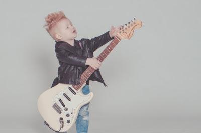 teknik gitar keren yang harus kalian pelajari dan ketahui