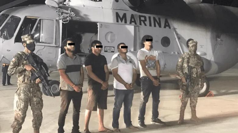 Detienen en Puerto Peñasco; Sonora a 4 Sicarios en Razer con armas largas