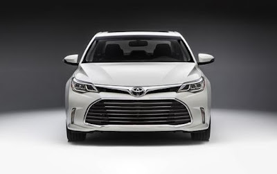 Toyota Avalon 2016 Hybrid Sedan front look Hd Images