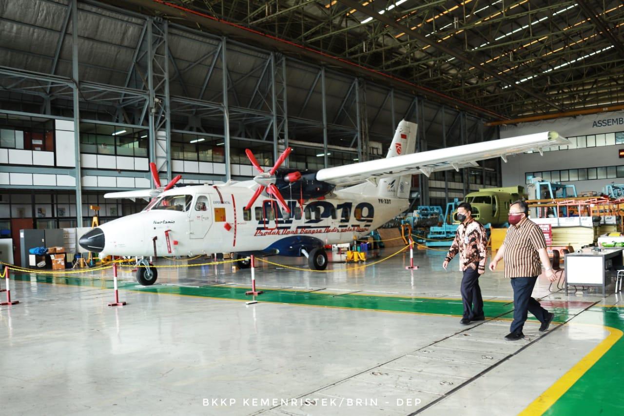 Menristek Tinjau Pengujian Akhir Pesawat N219 Prototype Design 2