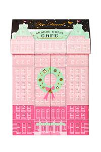 https://www.manor.ch/fr/shop/cadeaux/cadeaux-pour-elle/beaute/too-faced/p/W6-83433901