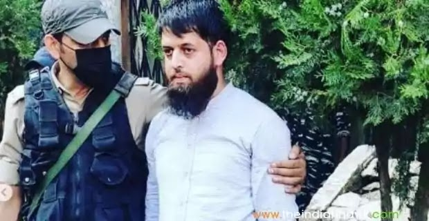 Journalist Adil Farooq Bhat Held With 2 LIve Grenades in Srinagar Adil Farooq Bhat,  A 26-year-old man was arrested with two live grenades at Srinagar's Lal Chowk on Tuesday