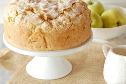 ✓ Irish Apple Cake with Custard Sauce