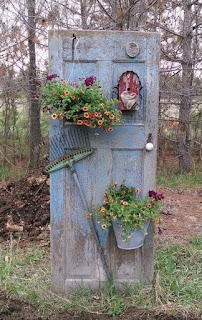 Mais de 20 ideias simples para jardins pequenos e cantinhos sem uso