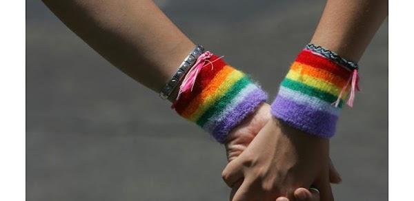 Polisi Gerebek Pesta Gay di Apartemen Kuningan, Puluhan Pasangan Diamankan