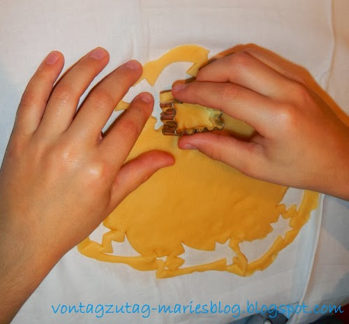 http://vontagzutag-mariesblog.blogspot.co.at/2013/11/kekse-backen-mit-kindern.html