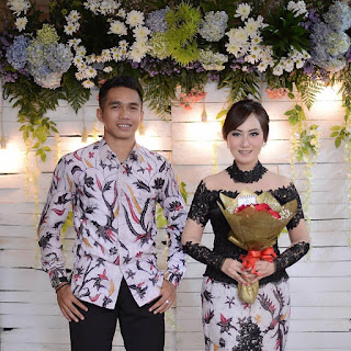 Model Kebaya Brokat Kombinasi