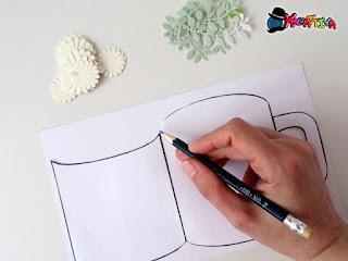 modello card a forma di tazza