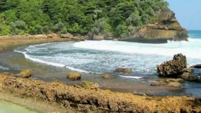 Ini Dia Informasi Lengkap Seputar Pantai Batu Bengkung Malang