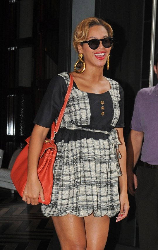 Beyonce Delivers Baby Girl Ivy Blue Carter Guitar Chord