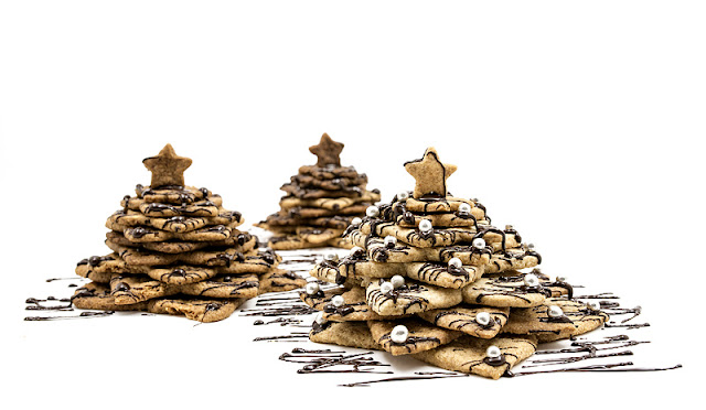 3D cookie christmas tree - almond and chocolate recipe shot