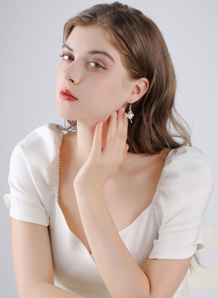 翩翩芭蕾舞者鋯石耳環