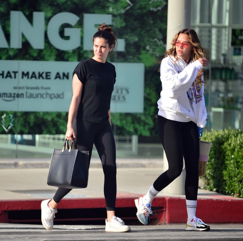 Sara Sampaio, Jasmine Tookes  at Urth Cafe in West Hollywood 15 Apr-2021
