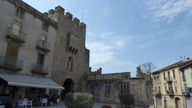 Entrada a la vila closa de Guissona