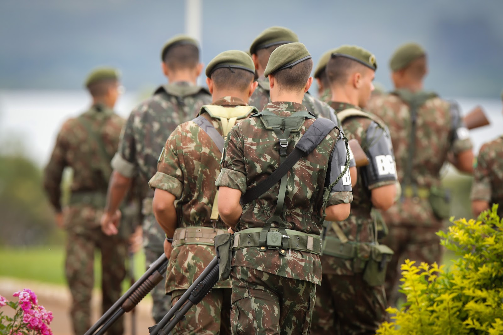 Ministério da Defesa diz que  73 mil militares devolveram o auxílio emergencial
