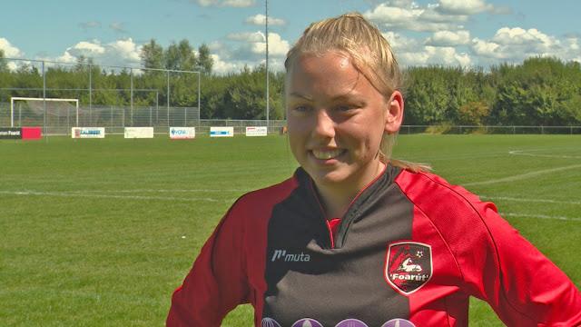 لأول مرة.. فتاة تشارك مع فريق للرجال بكرة القدم في هولندا