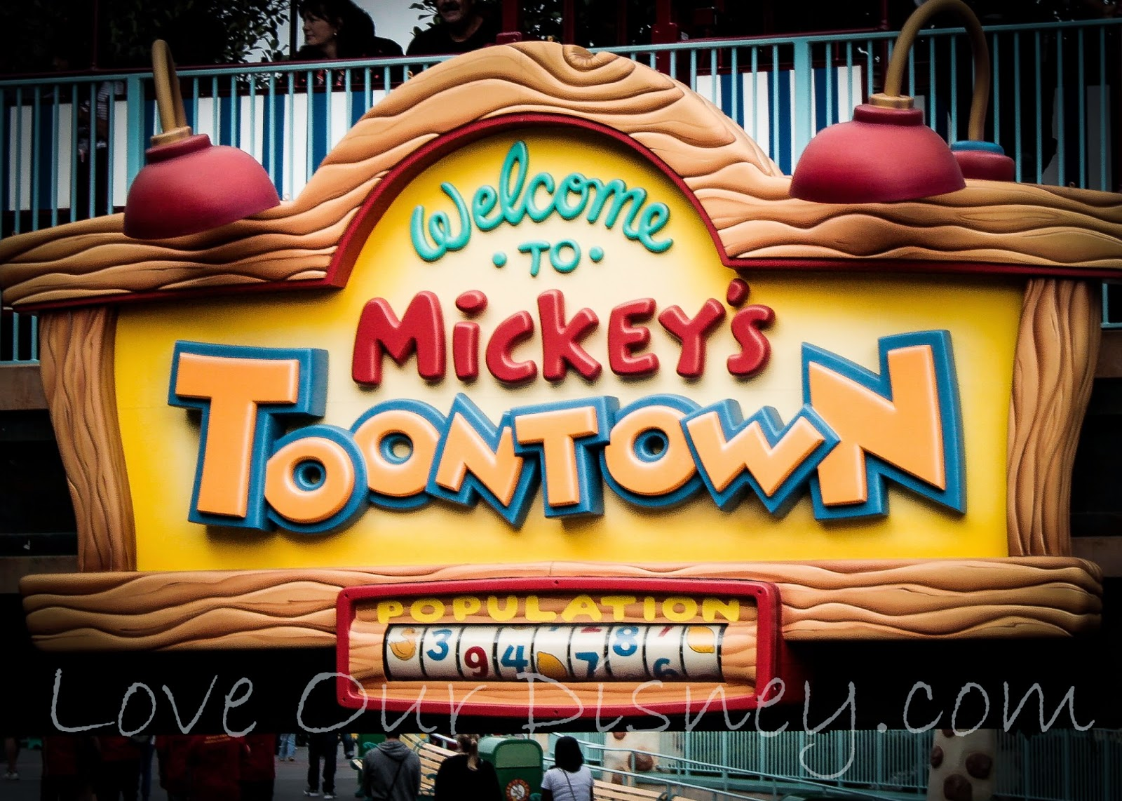 23 Must-Know Disneyland Tips including tips for ToonTown. LoveOurDisney.com