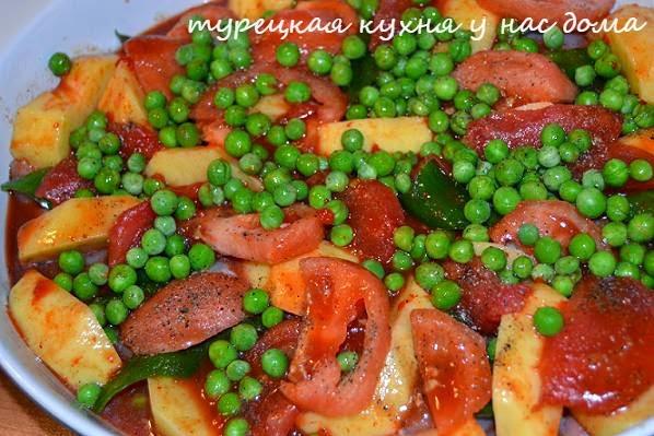 курица и овощи в томатном соусе