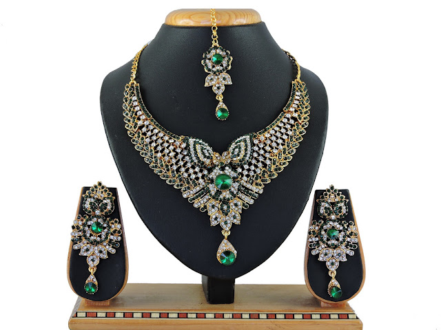 Latest necklace designs Online