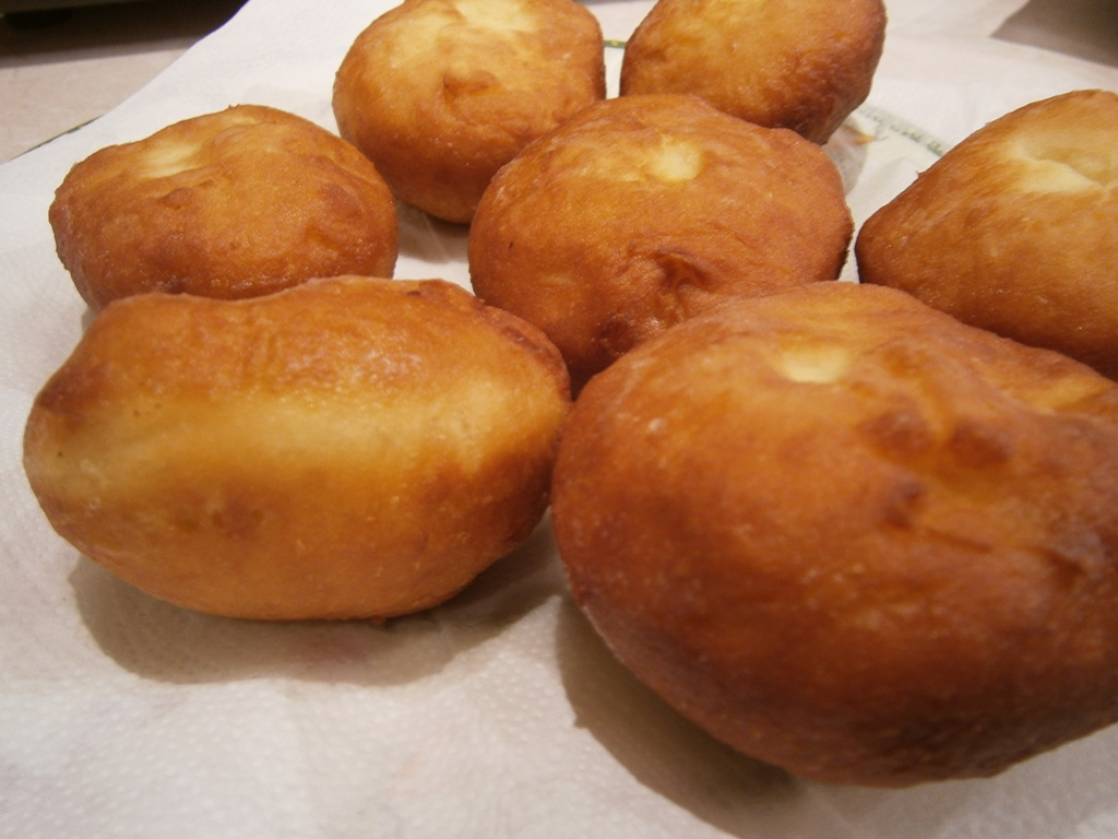 przepis na pączki drożdżowe z ziemniakami