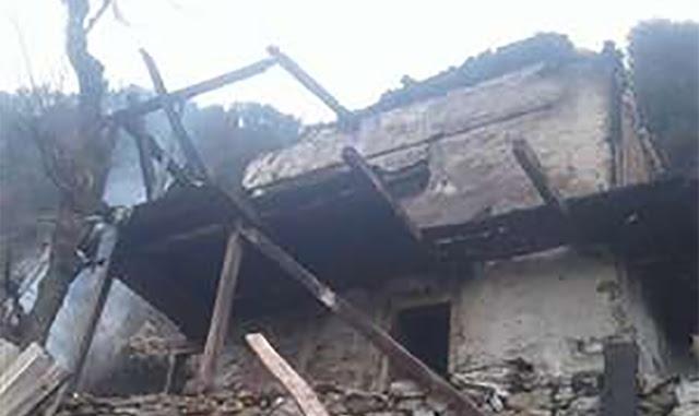 हिमाचल: भारीबर्फबारी में बेबस आंखों के सामने जल रहा था मकान, पाइपों में पानी जमने से कोई नहीं बुझा पाया आग