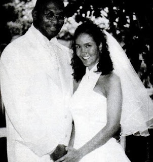 Gina Sasso with her late ex-husband Thomas Mikal Ford in their wedding dress