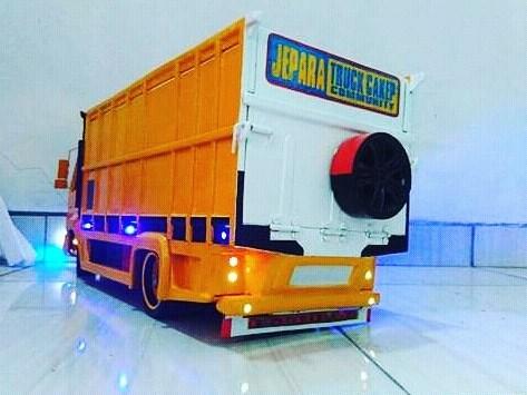 truk canter miniatur jepara