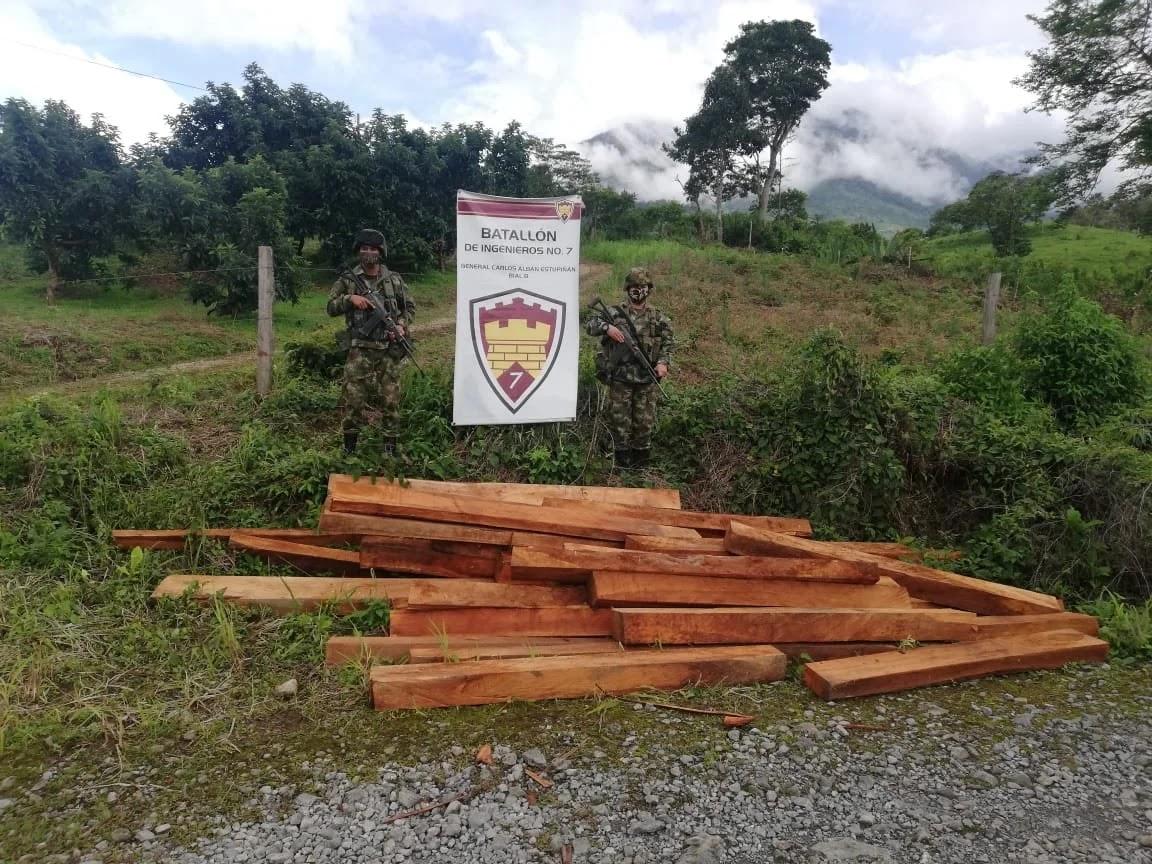 El operativo fue adelantado por la Policía en coordinación de la Secretaría de Gobierno, la Secretaría de Fomento y Desarrollo Sostenible, Cormacarena y el apoyo del Batallón de Ingenieros número 7 del Ejército Nacional