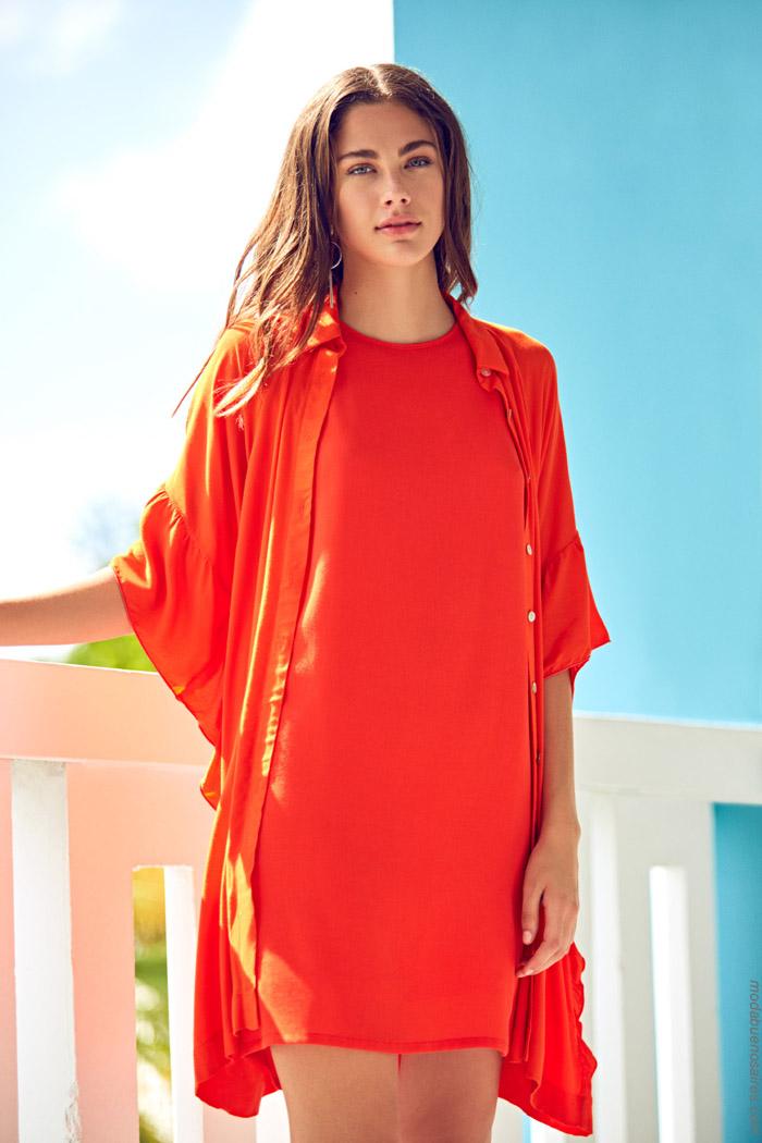 Moda primavera verano 2020 camisas y vestidos.