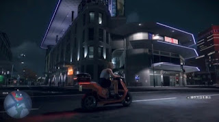 バイクで街を疾走するプレイヤー