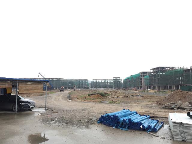 Bên trong công trường dự án Mon Bay