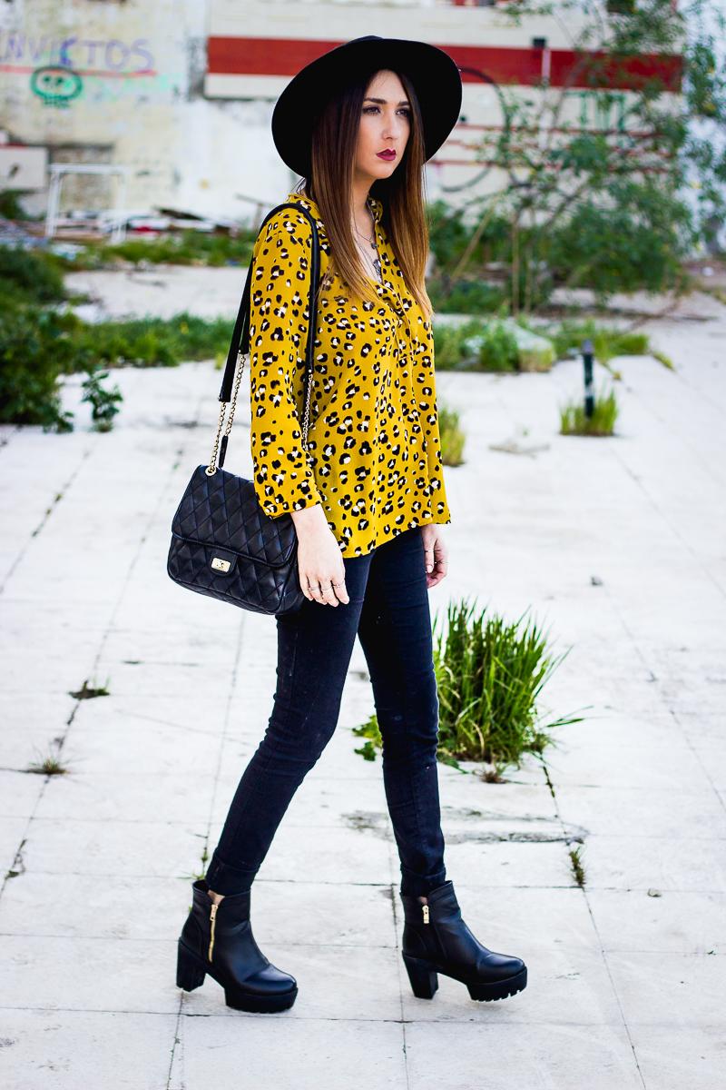 camisa mostaza