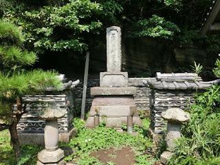 三浦義村の墓(三浦市)