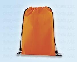 tula en impermeable naranja