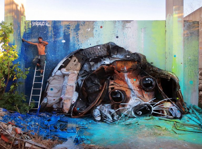 Street Artist Transforms Ordinary Junk Into Animals To Remind About Pollution - Trash Puppy