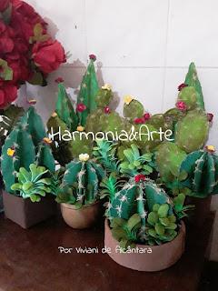 Cactus e suculentas em E.V.A
