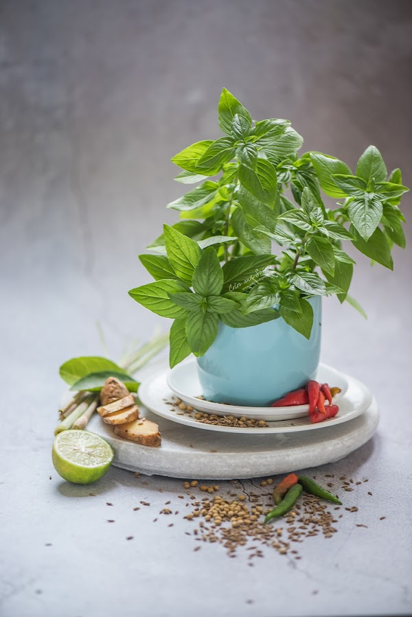 thai basil, spices, recipe, food photography, food styling
